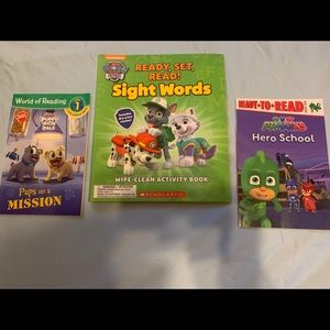 Lot of 2 level 1 books & dry erase sight word book